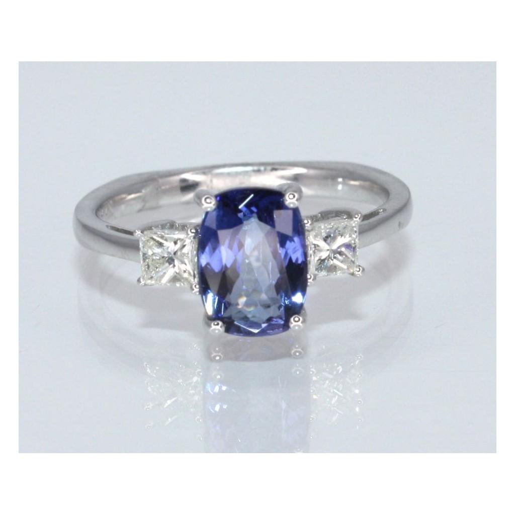 Tanzanite Diamond Ring with 2.34 Carats