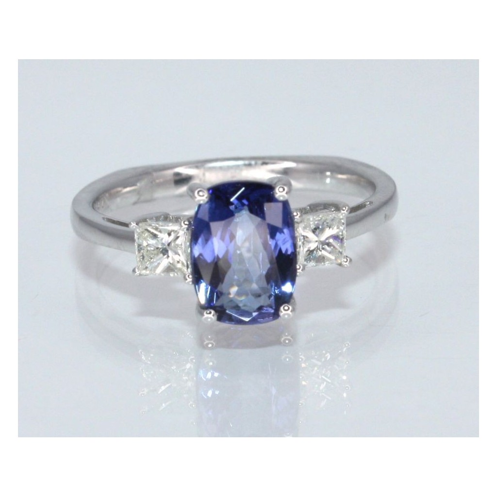 TANZANITE RING WITH 1.91 CARAT TANZANITE &.43 CAART DIAMONDS