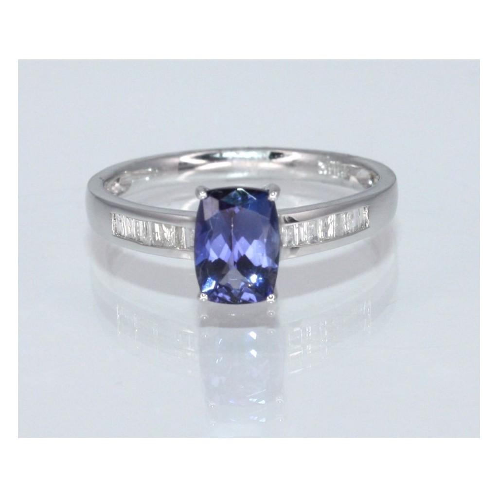 Tanzanite Diamond Ring with 1.03 Carats