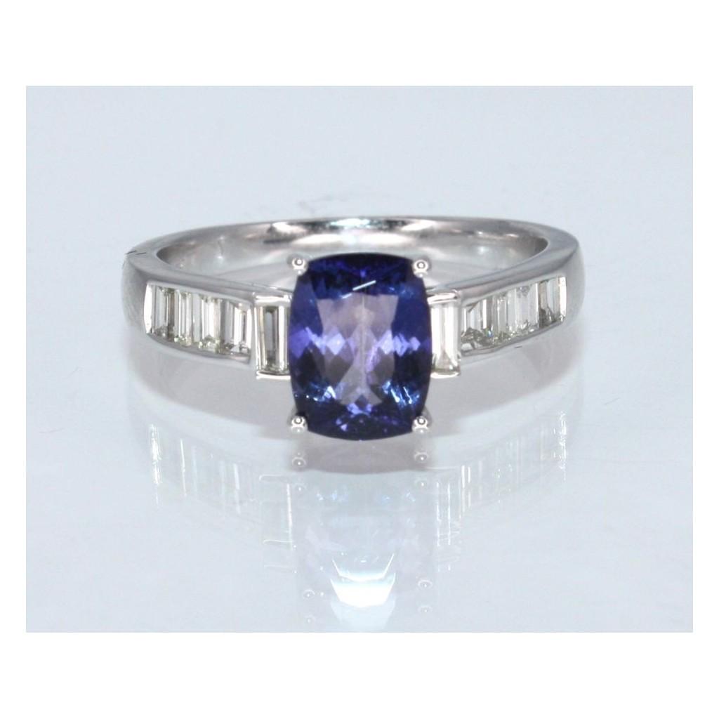 Tanzanite Diamond Ring with 1.80 Carats