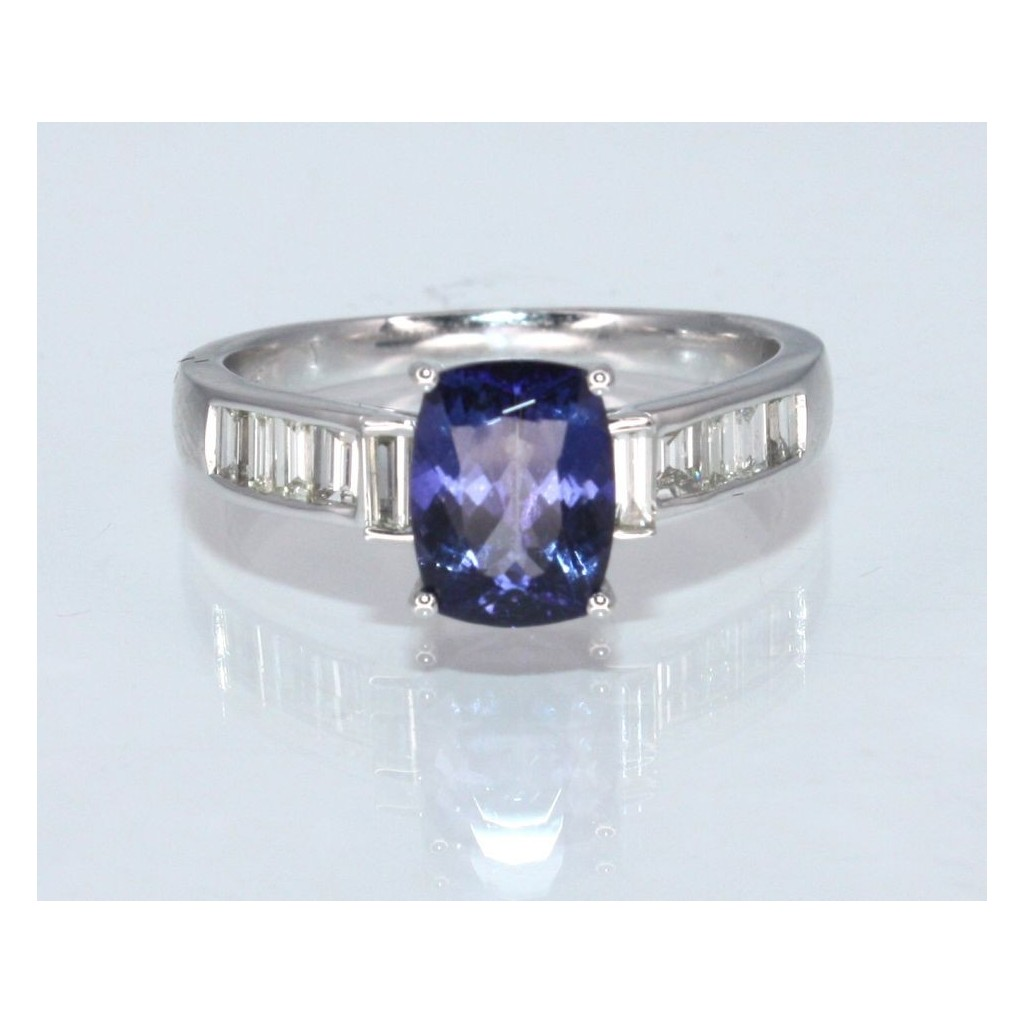 TANZANITE RING WITH 1.40CARAT TANZANITE &0.40CARAT DIAMONDS