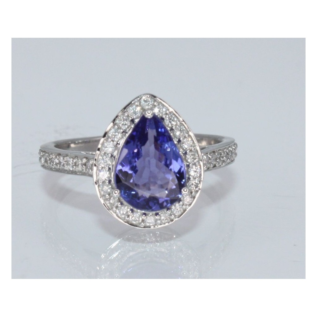 Tanzanite Diamond Ring with 2.08 Carats