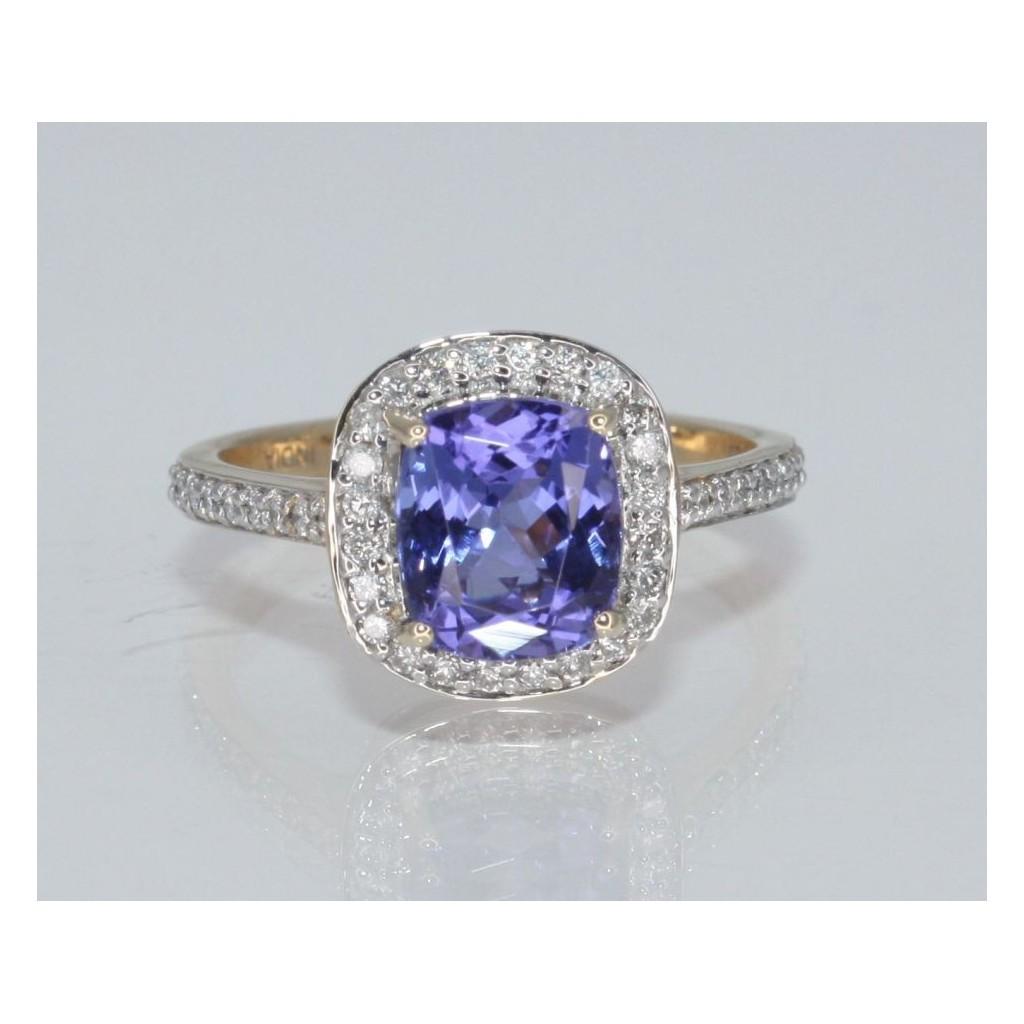 Tanzanite Diamond Ring with 2.86 Carats