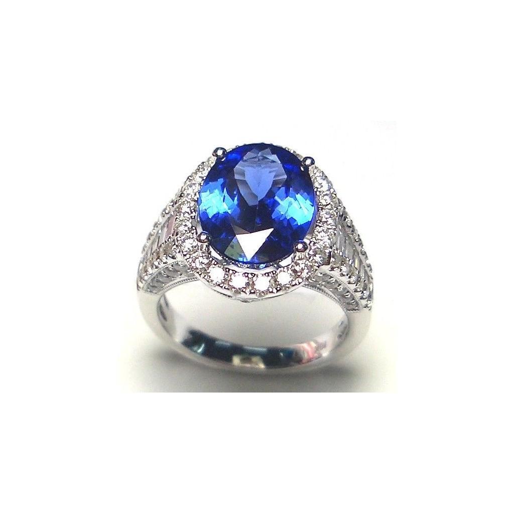 18k white gold ring 6.67ct Tanzanite and 1.72ct Diamond