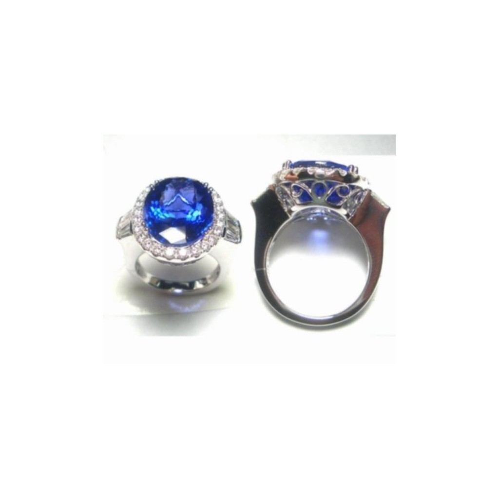 18k white gold ring 15.25ct Tanzanite and 2.12ct Diamond