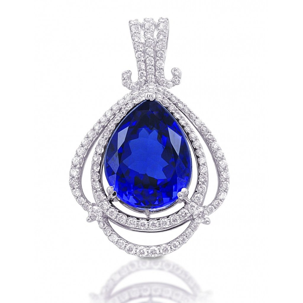 Tanzanite Pendent with 18.76 Carats