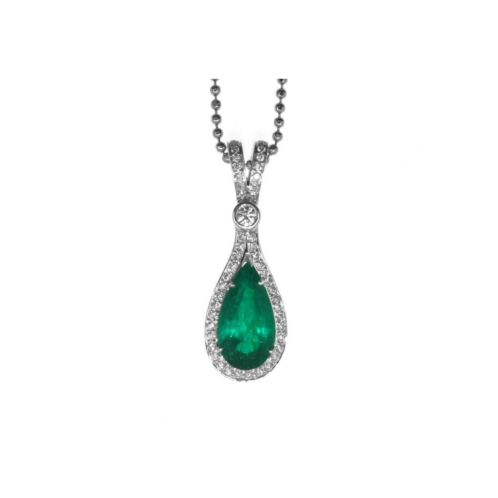 Emerald Pendent with 4.86 Carats
