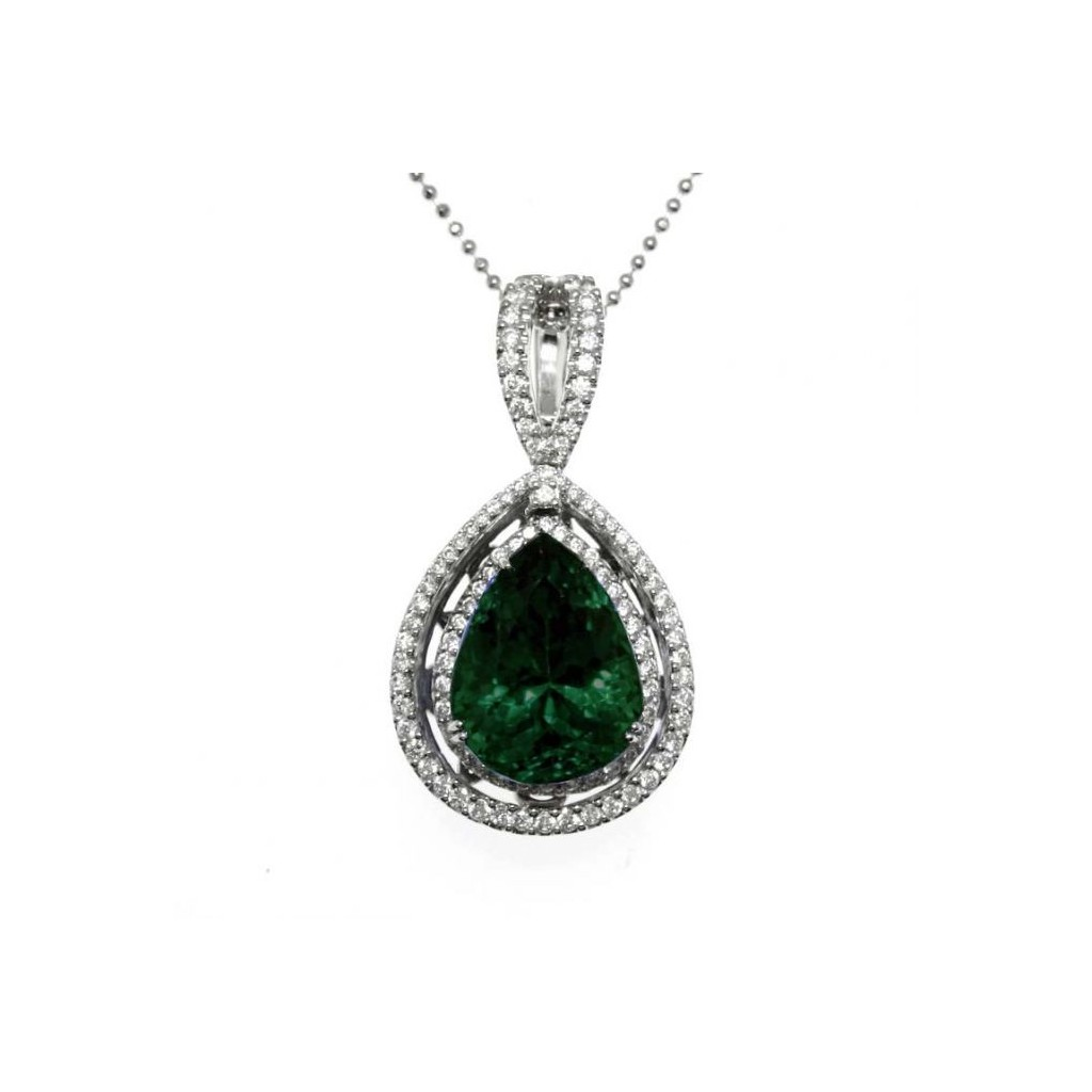 Emerald Diamond Pendent with 5.57 Carats