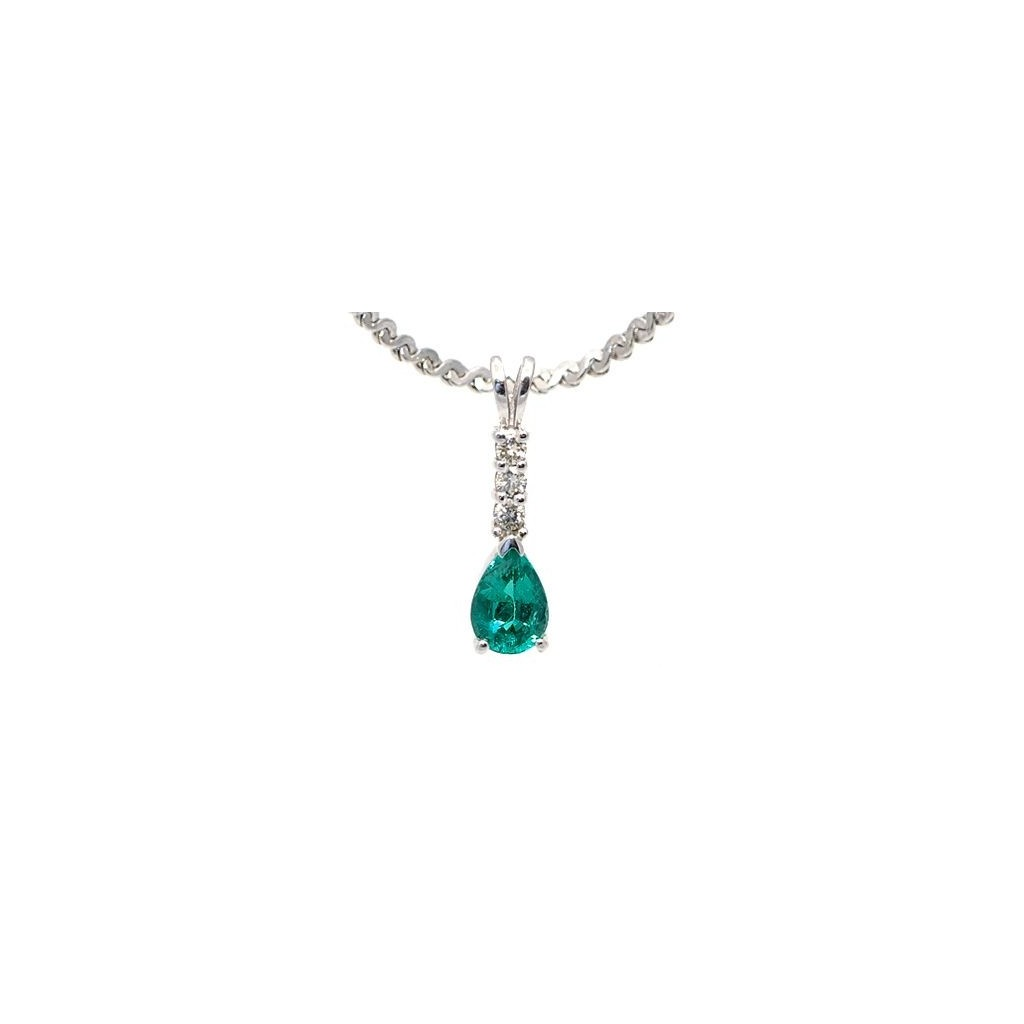 Emerald Diamond Pendent with 0.76 Carats