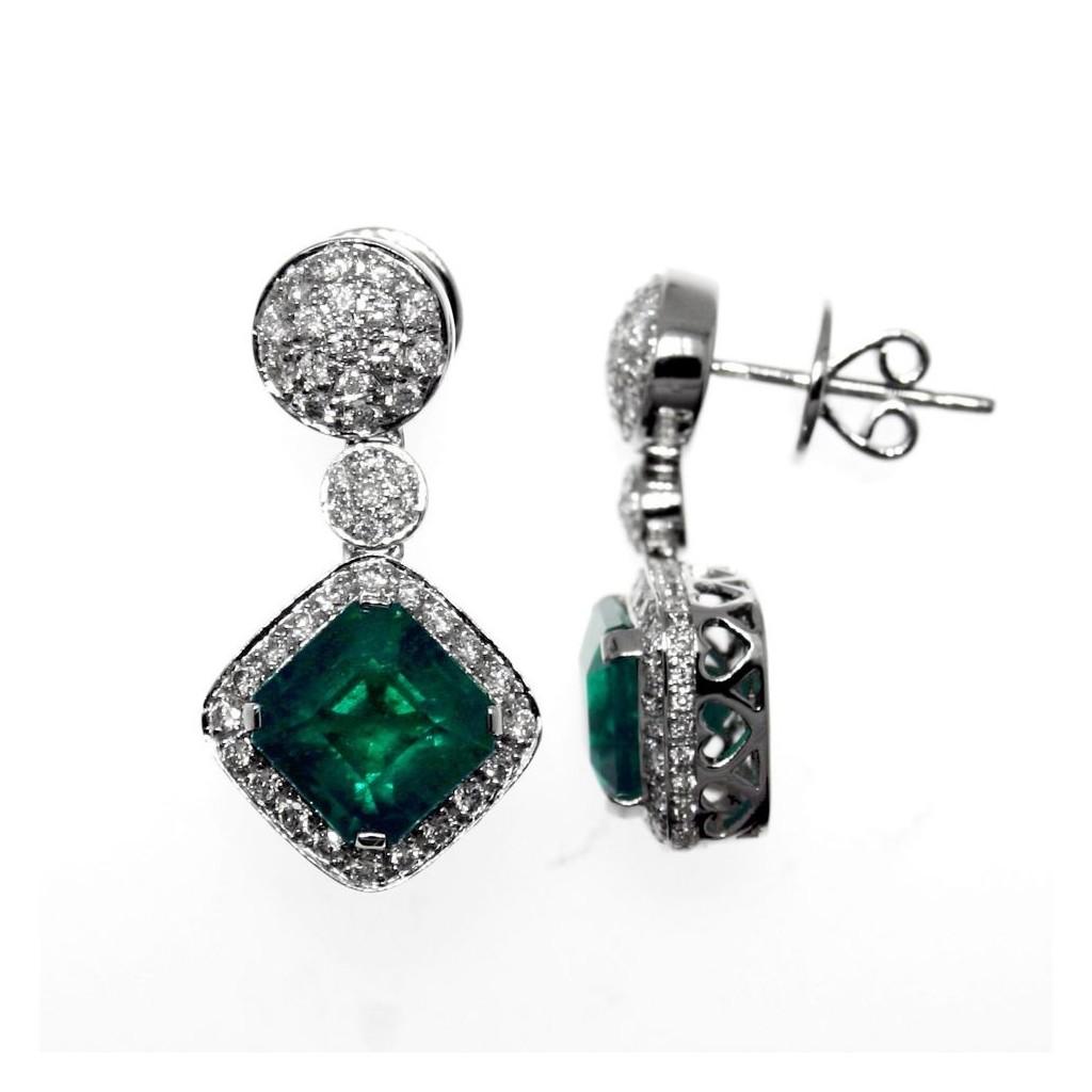 Emerald Diamond Earrings with 6.10 Carats