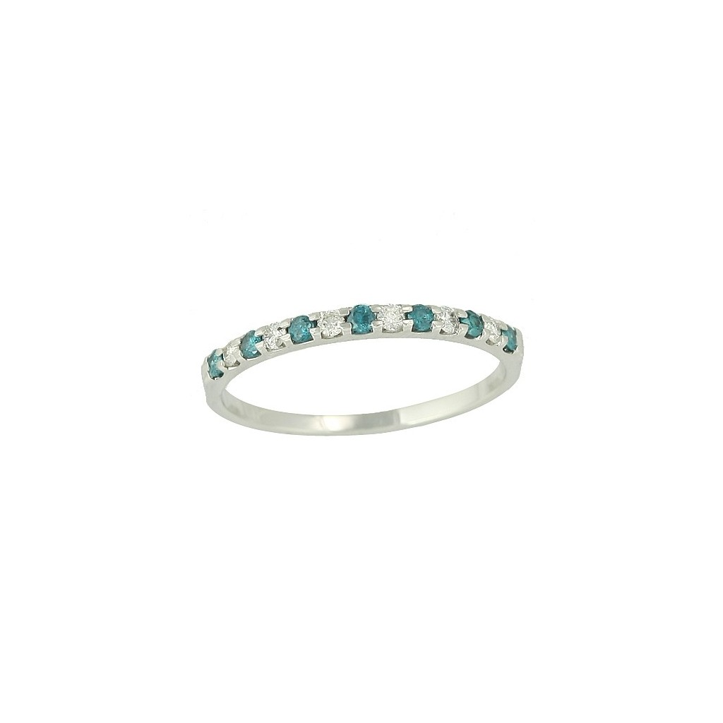 Blue Diamond Ring with 0.25 Carats