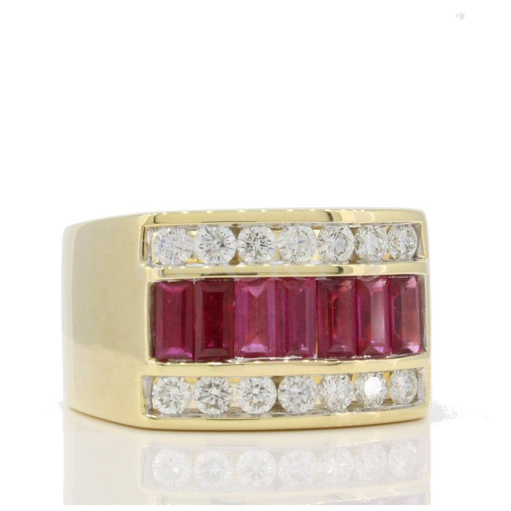 Men's Diamond Ring with 2.85 Carats