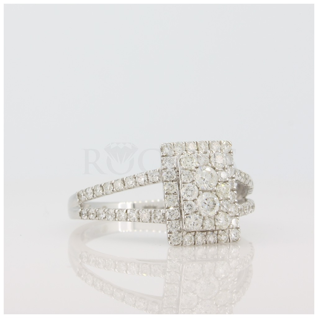 Engagement Ring with 0.78 Carats