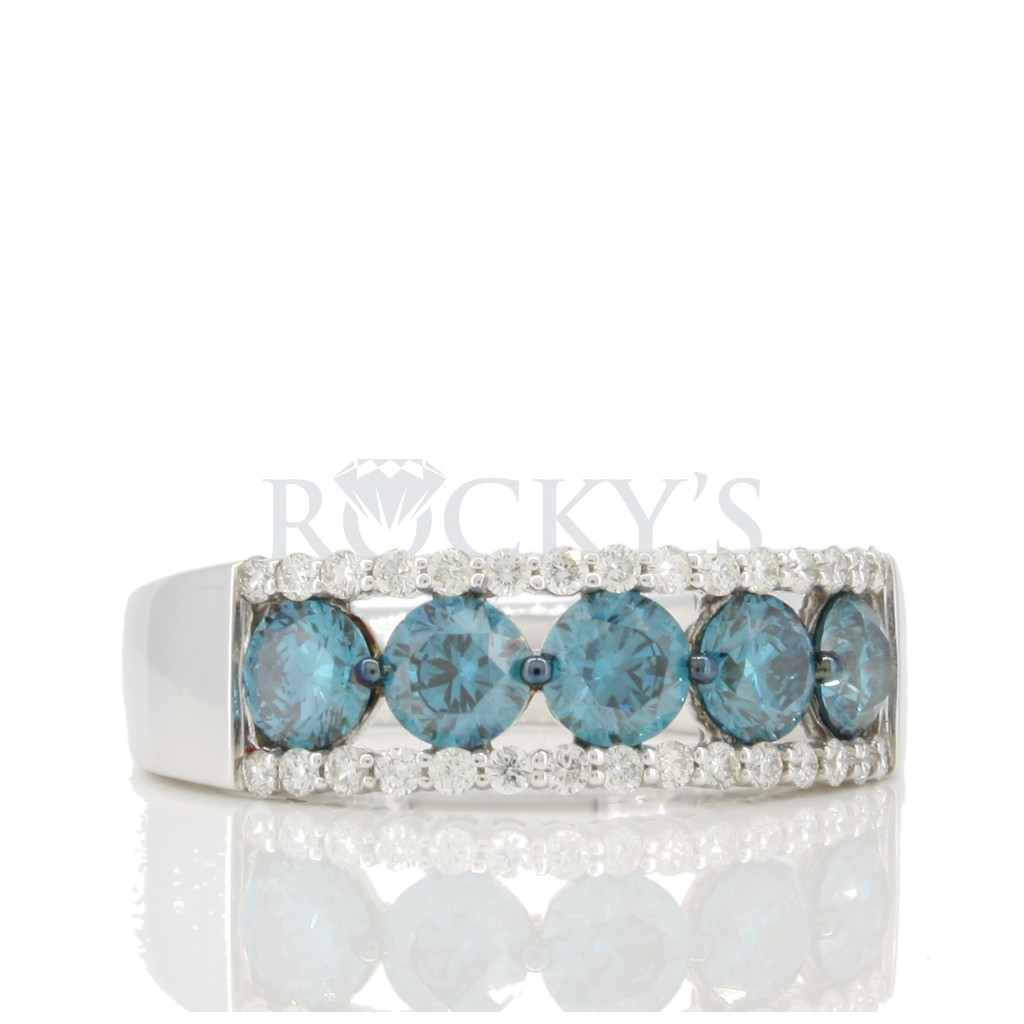 Blue Diamond Band with 1.84 carats