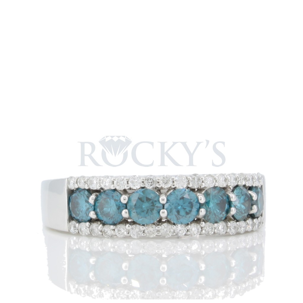 Blue diamond Band with 1.11 carats