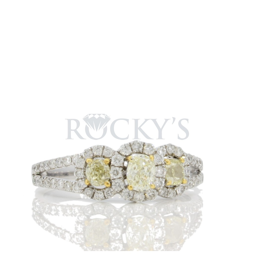 Yellow diamond Ring with 1.02 carats