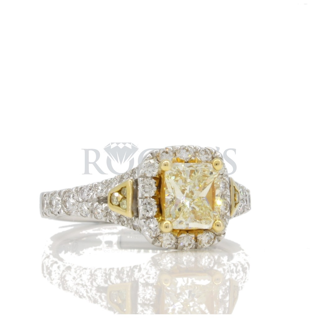 Yellow Diamond Ring with 1.81 Carats