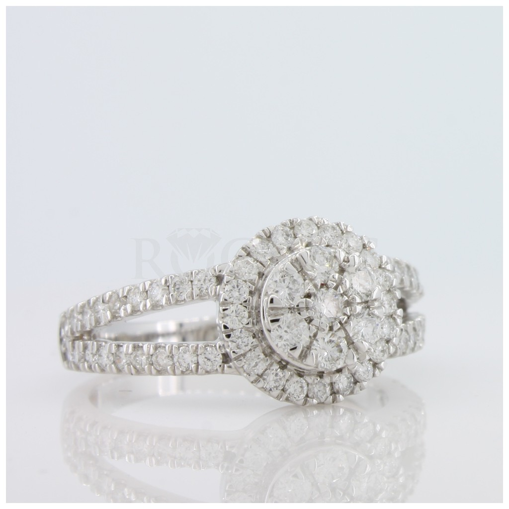 Engagement Ring with 0.72 Carats