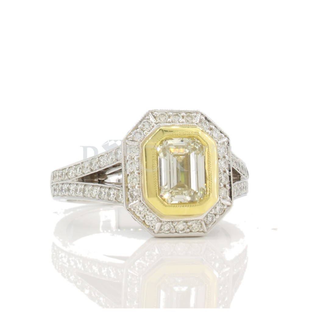 Yellow Diamond Ring with 1.62 Carats