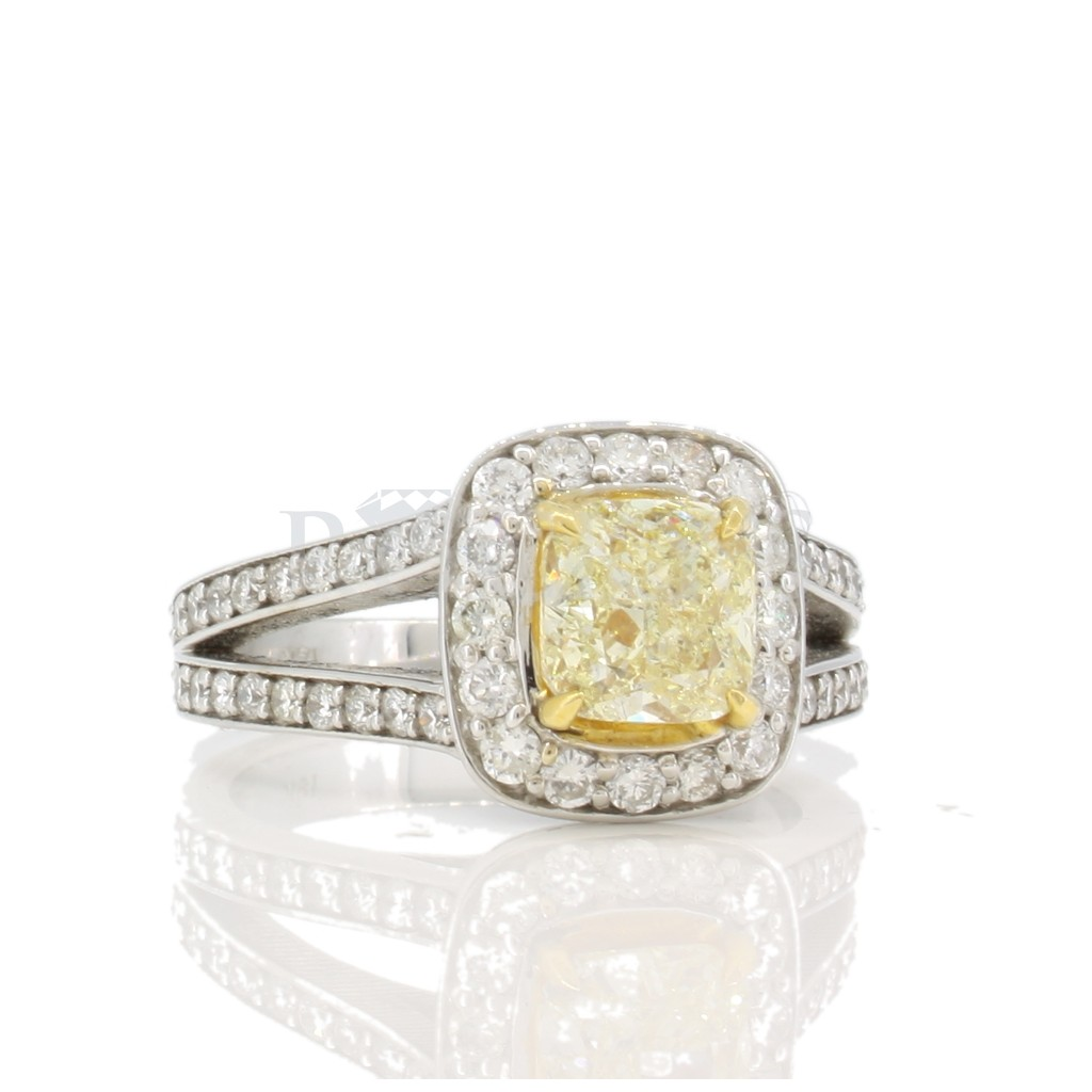Yellow Diamond Ring with 2.33 Carats