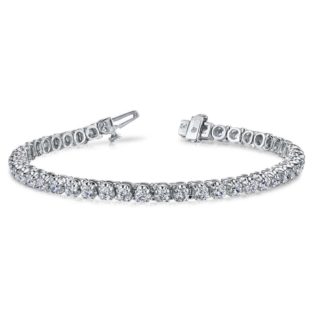Diamond bracelet with 3.98...