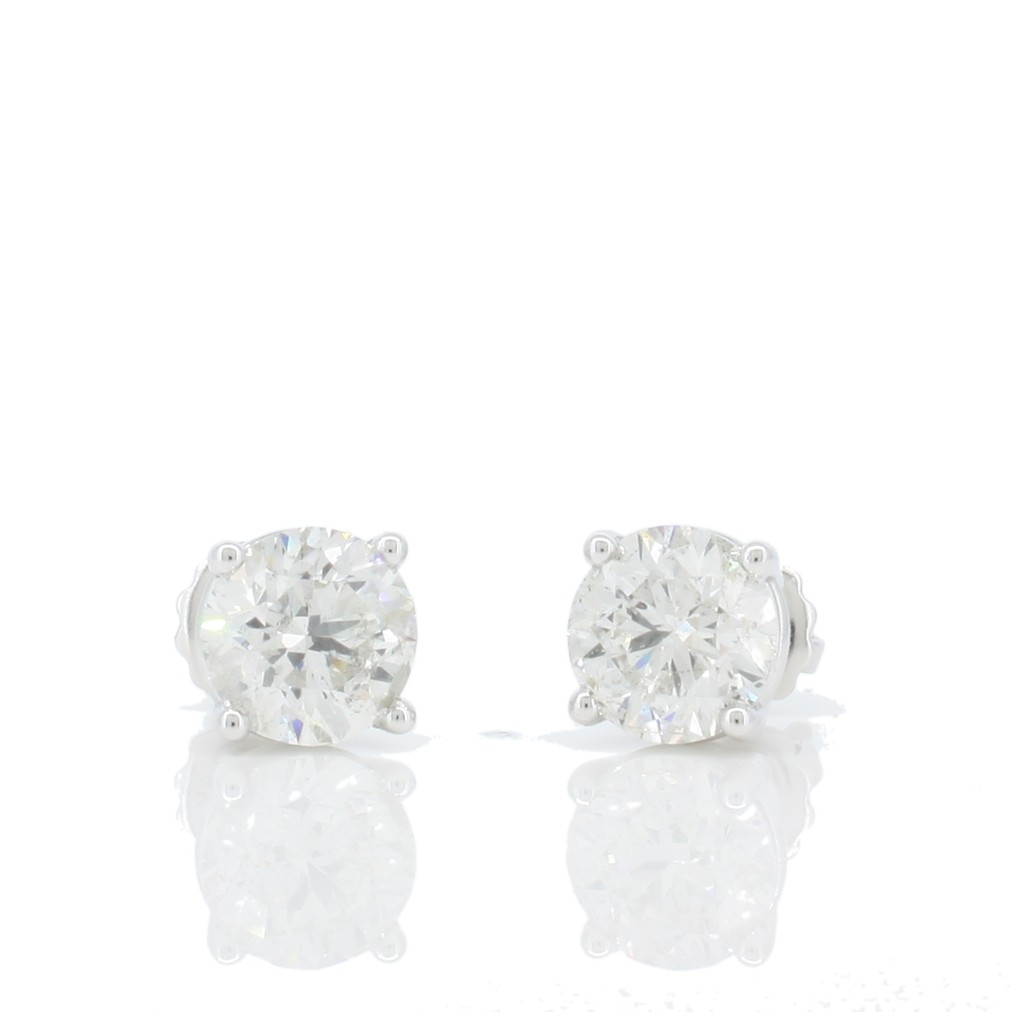 Diamond Studs with 2.00 Carats
