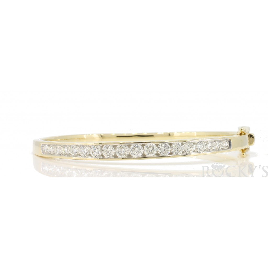 Women's Diamond Bracelet with 2.03 Carats