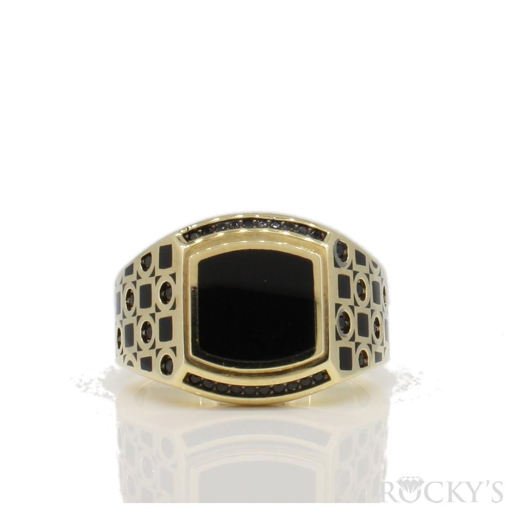 Onyx Men's Gold Ring with 9.5 Grams