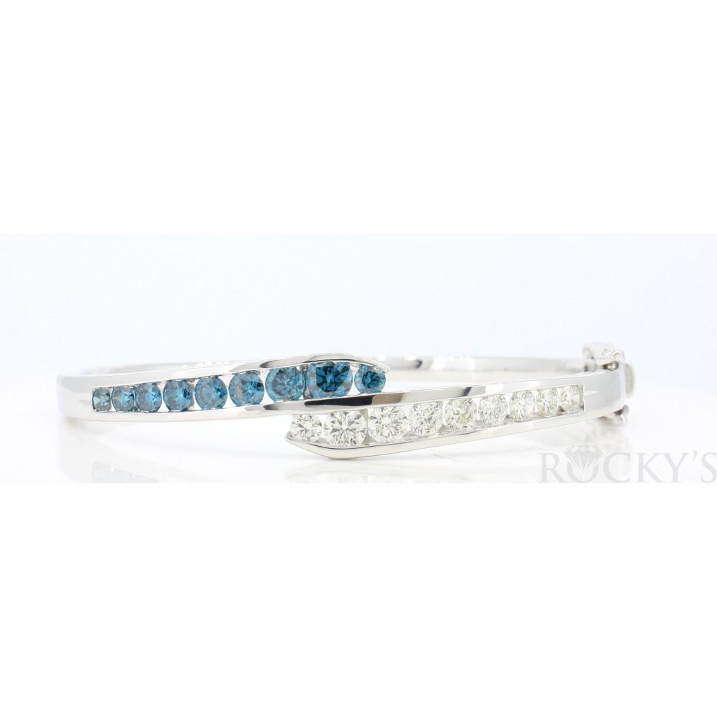 Blue Diamond Bangle with 2.89 Carats