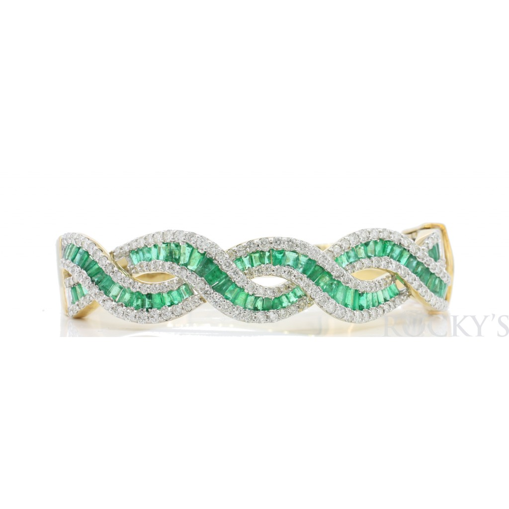 Emerald  Diamond Bracelet with 4.93 Carats