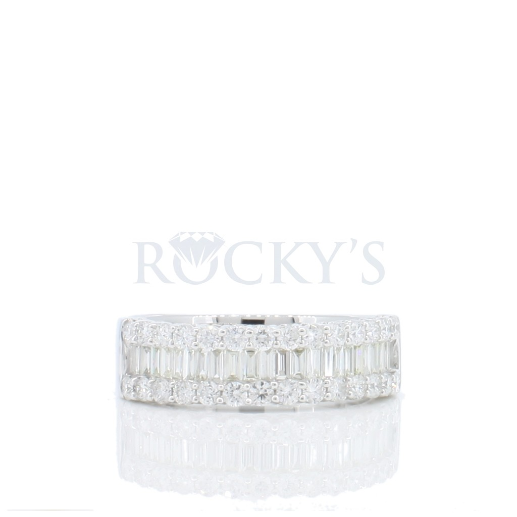 Women's Diamond Ring with 1.00 Carats