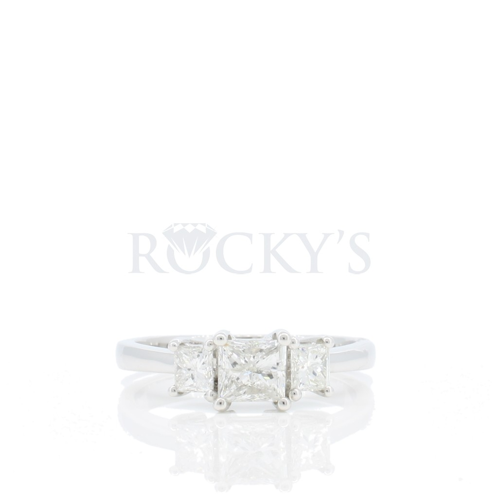 Engagement Ring with 0.99 Carats