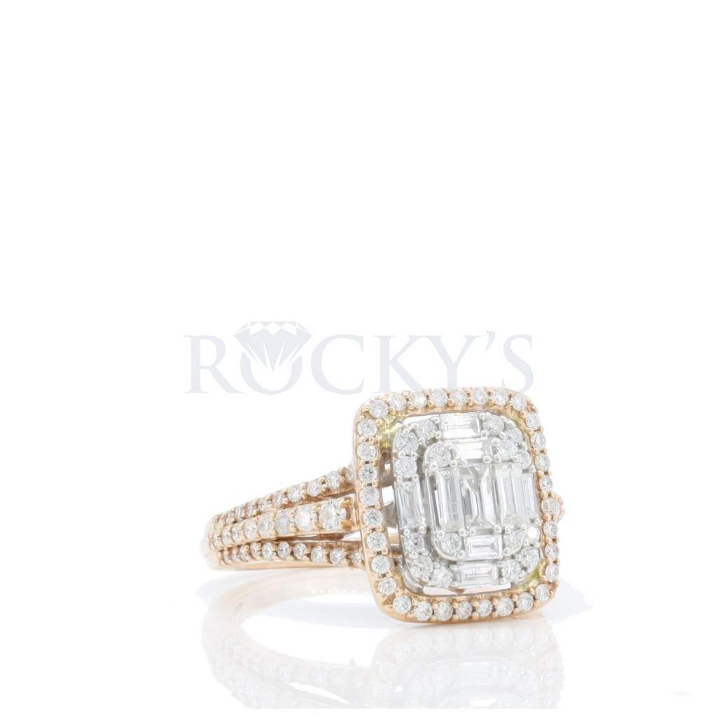 Engagement Ring with 0.88 Carats