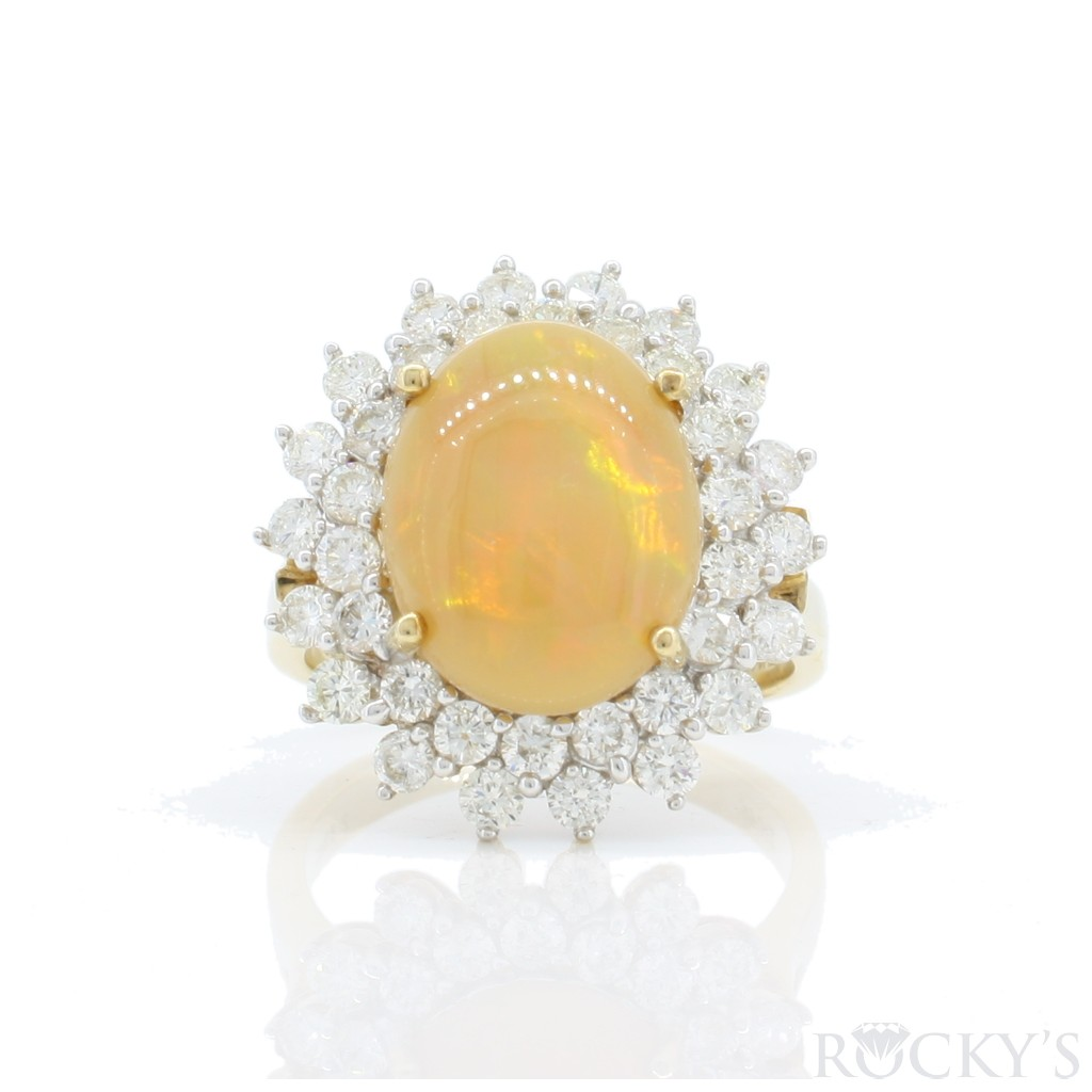 Women's Opal Ring with 4.28 Carats