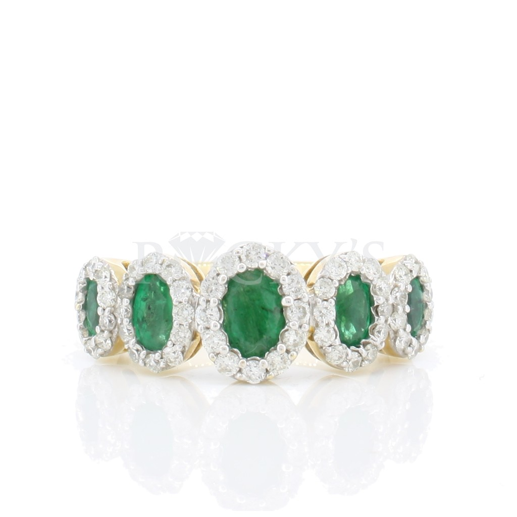 Emerald Ring with 1.69 carat.