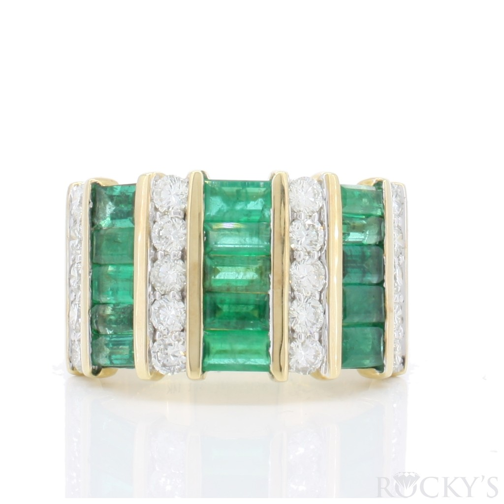 Emerald Ring with 3.98 Carats