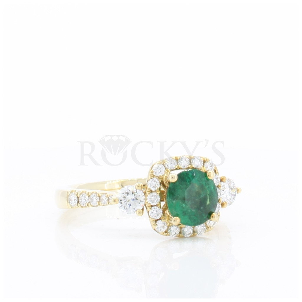Emerald Ring with 1.26 Carats