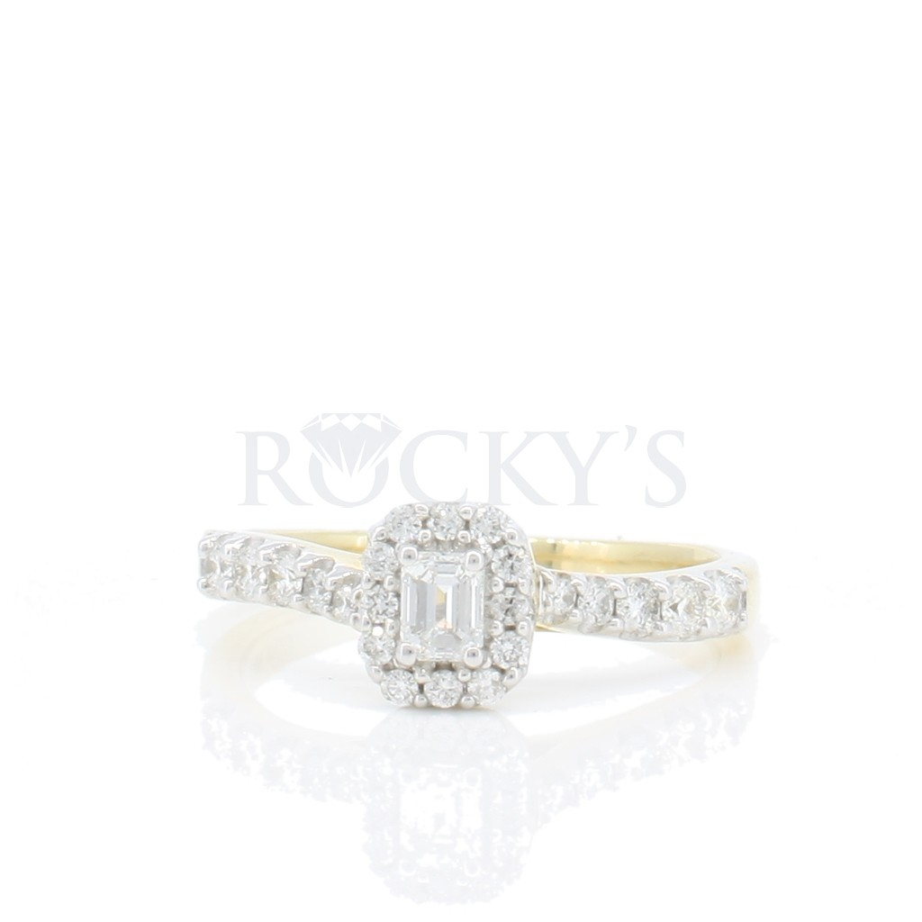 Engagement Ring with 0.50 carat