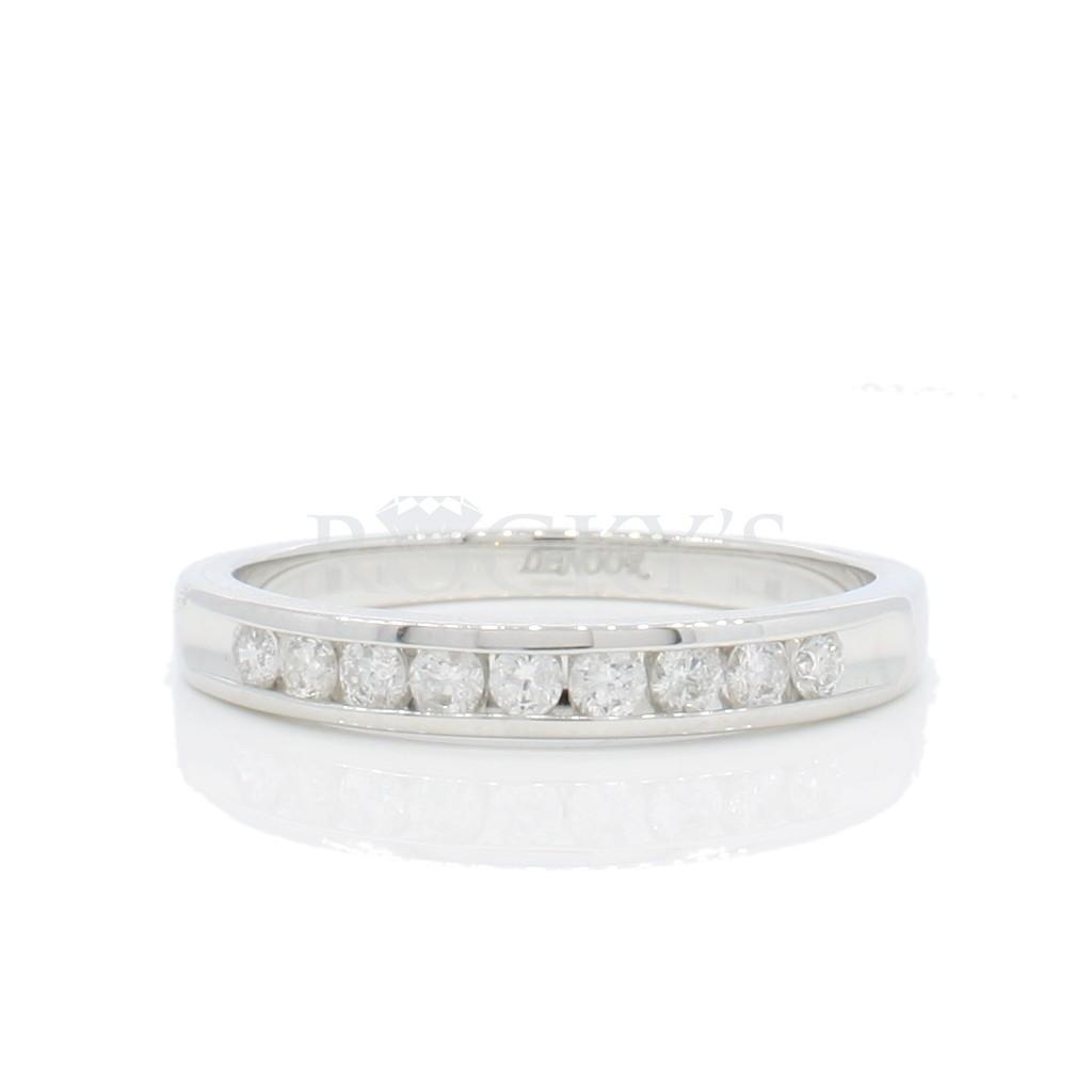 Wedding Diamond Band with 0.27 carats