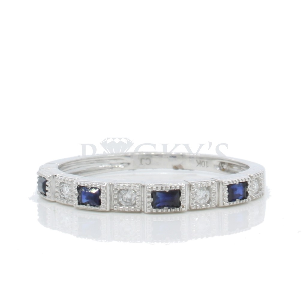 Sapphire Diamond Ring with 0.31 Carats