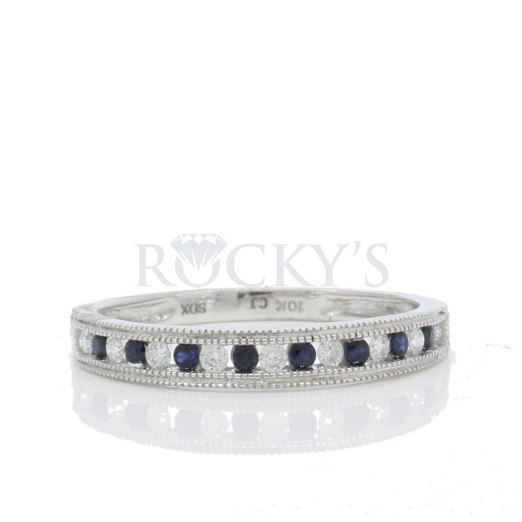 Sapphire Diamond Ring with 0.24 Carats
