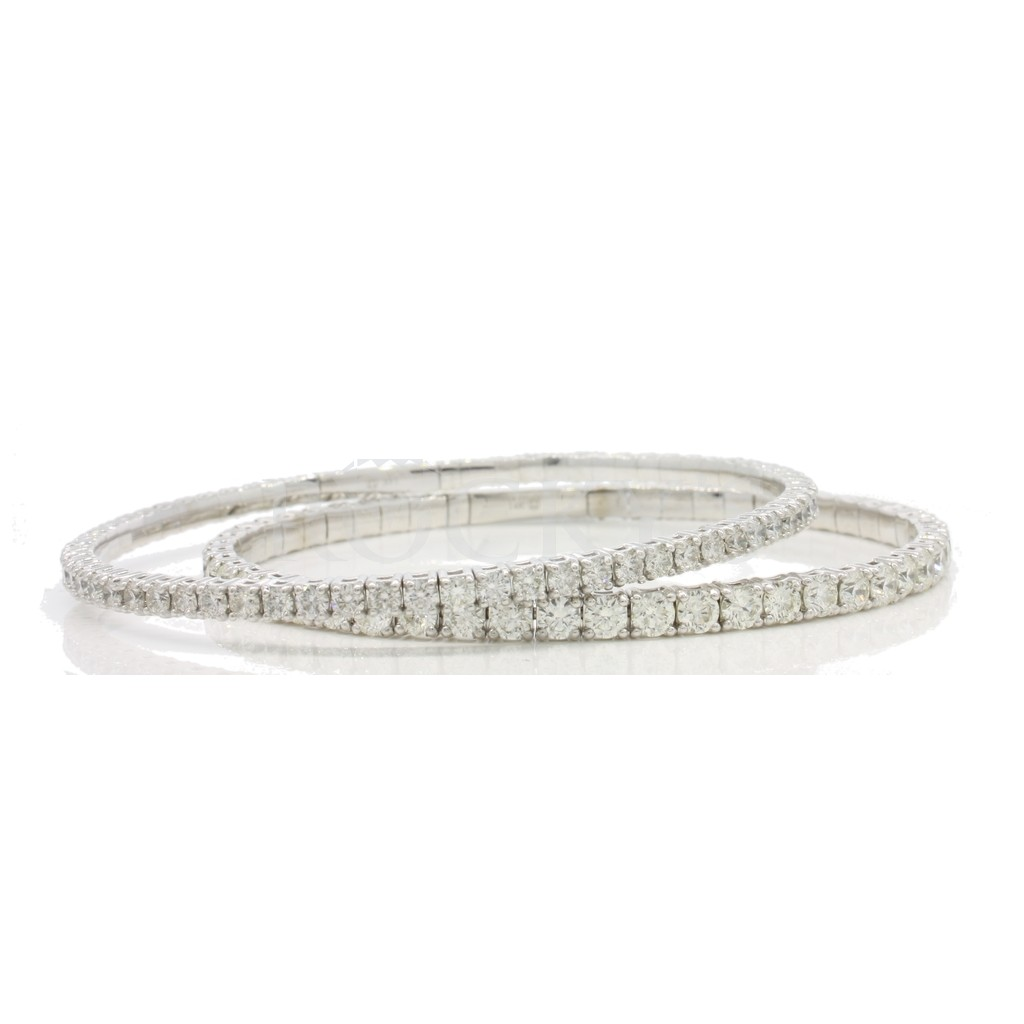 Diamond Bangle with 5.90 carat