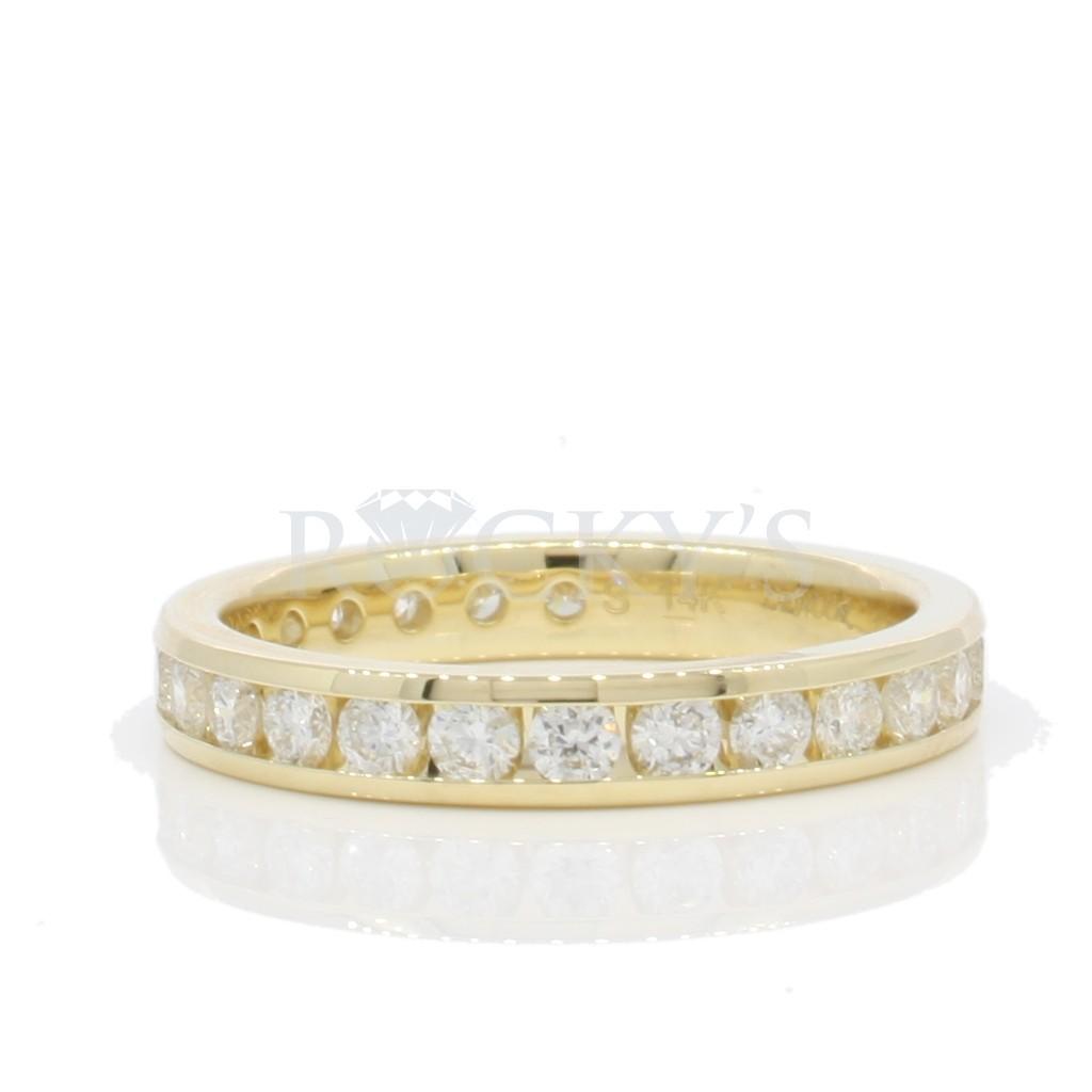 Wedding Diamond Band with 1.00 carats