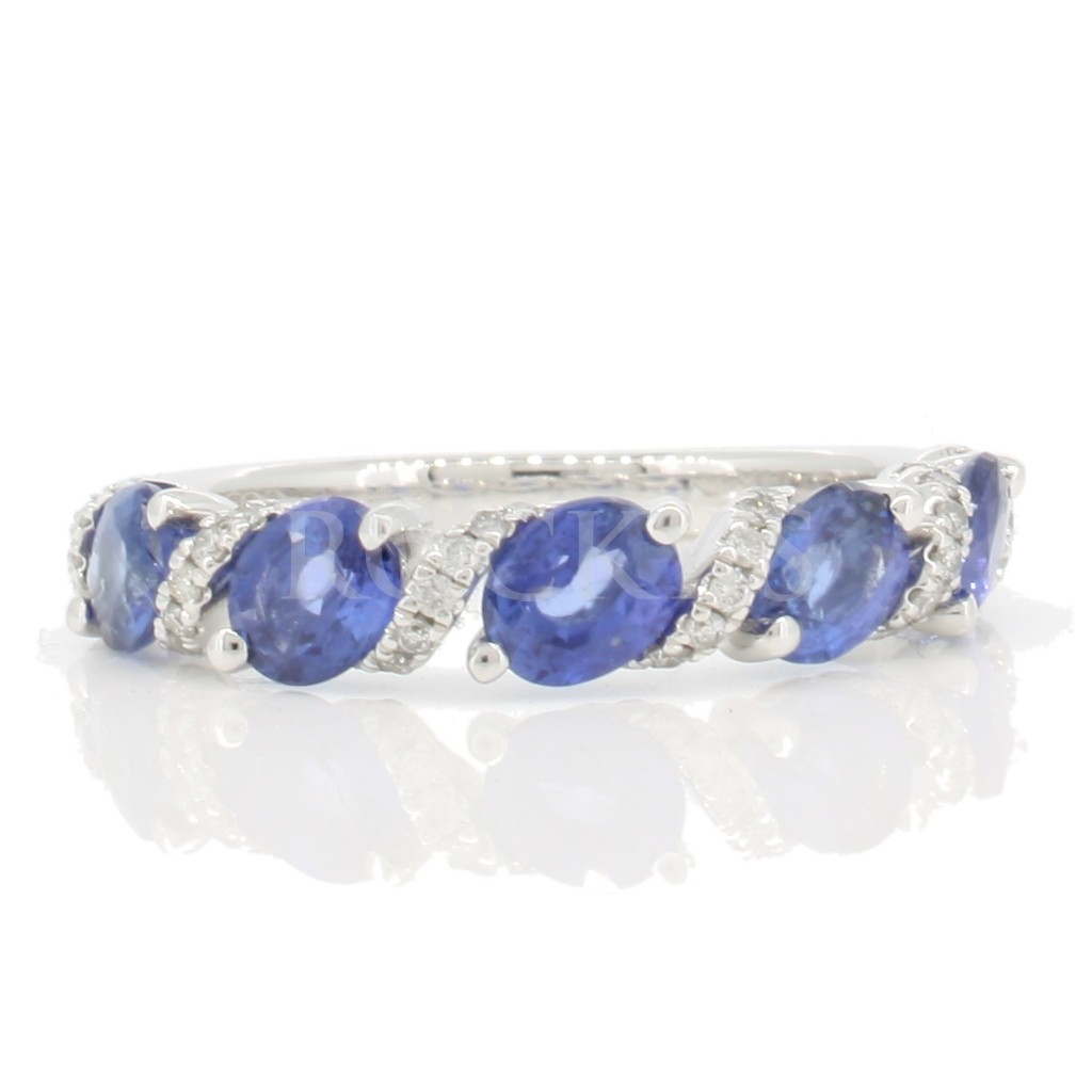 Sapphire Ring with 2.30 Carats