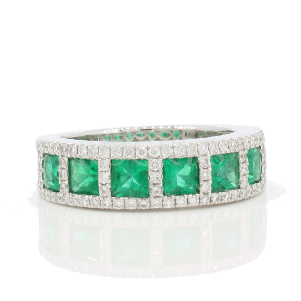 Emerald Diamond Ring with 1.80 carats