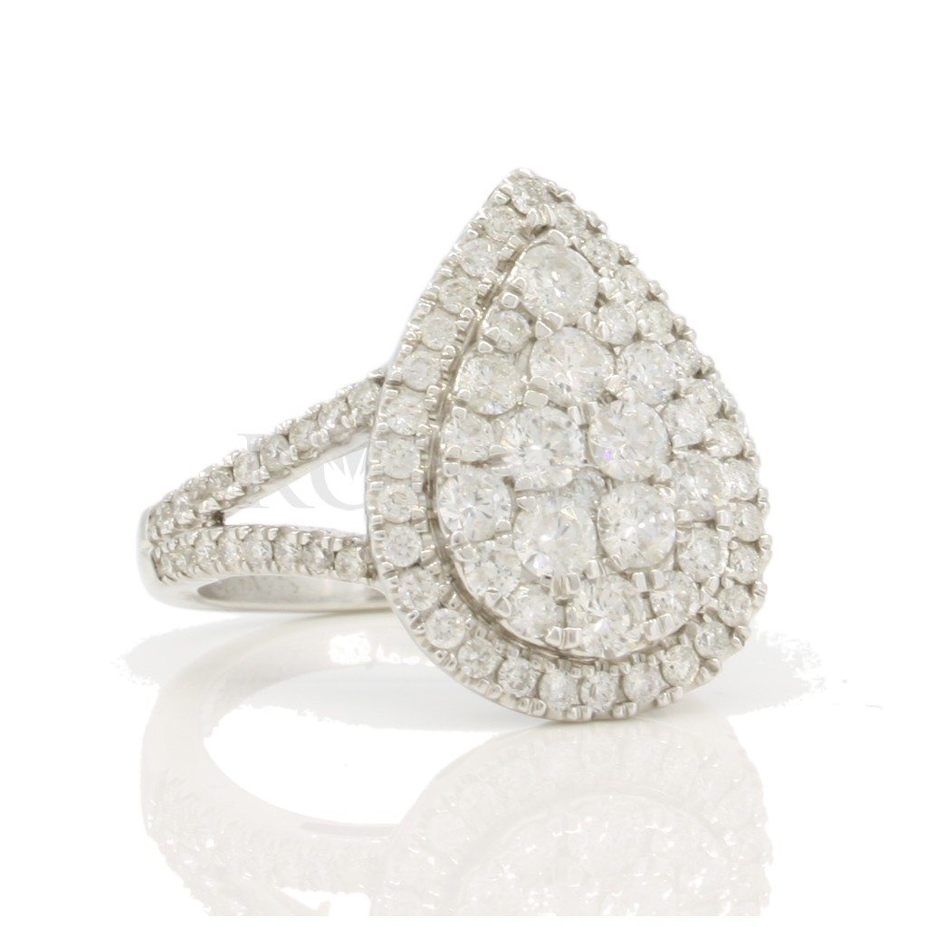 Engagement Ring with 1.50 Carats
