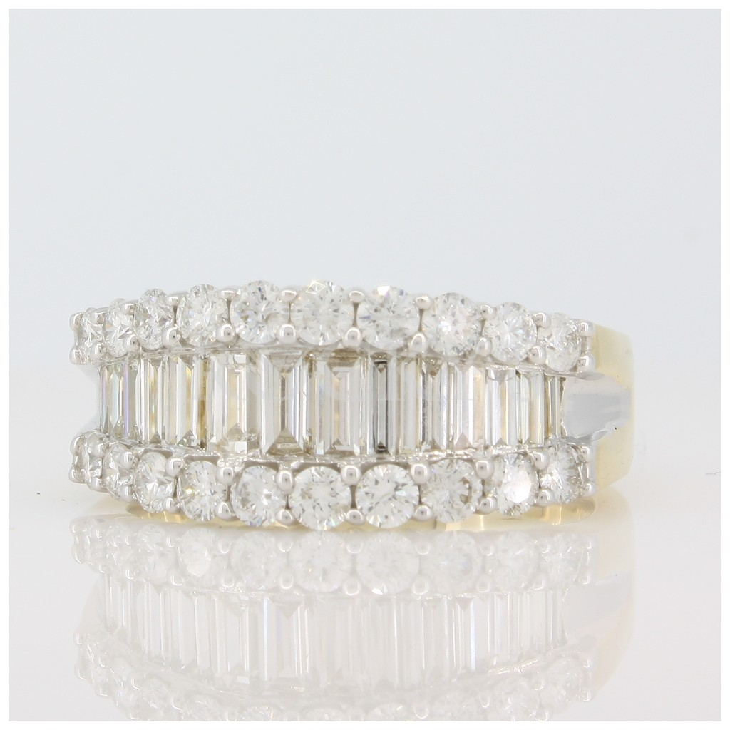 Diamond ring with 1.89 carats