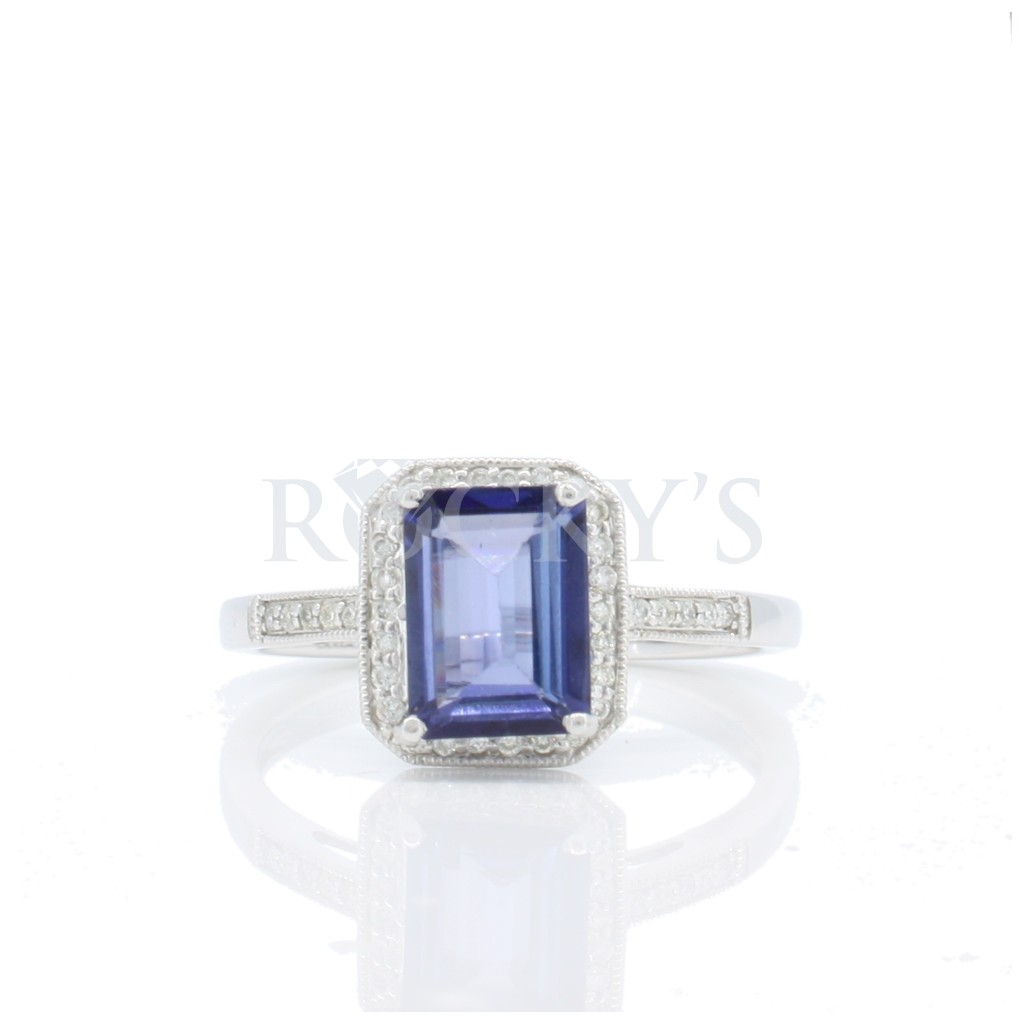 Tanzanite ring with 1.70 carats