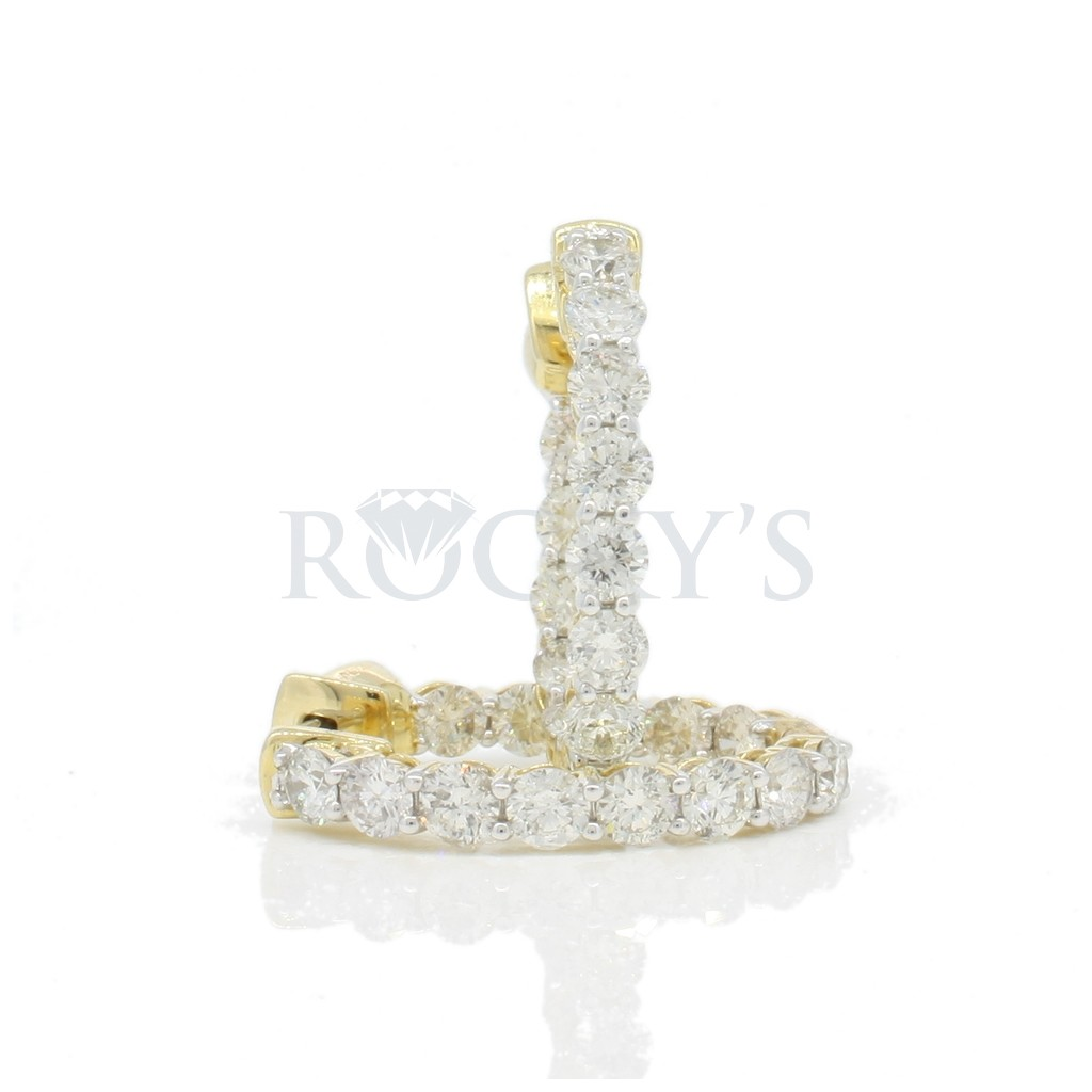 Diamond hoops with 2.85 carats
