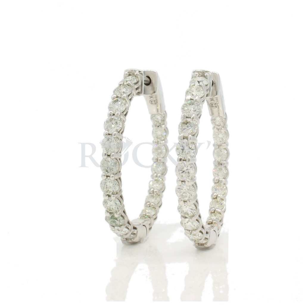 Diamond hoops with 2.58 carats